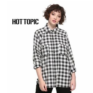 Hot Topic Black/White Oversized Button-Up Flannel